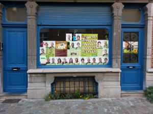 Ecolo en Groen, een winkel met twee deuren. Ecolo et Groen, un magasin à deux portes.